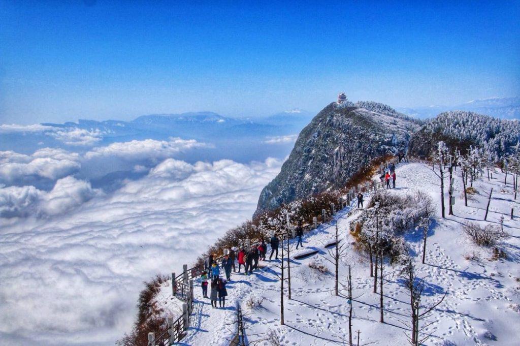 núi nga mi trung quốc